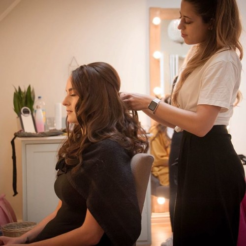 Mobile-Hairdresser-in-Surrey-by-Sophia-1