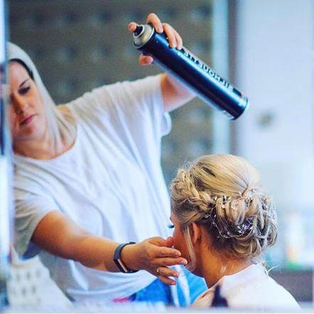 mobile-hairdresser-in-south-lanarkshire-la-makeup-hair-design-1